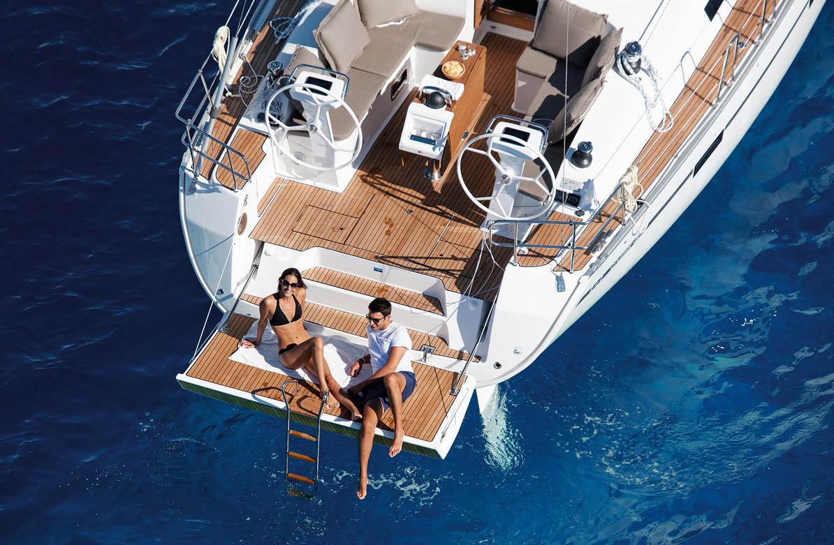 cruiser line bavaria yachts. Black Bedroom Furniture Sets. Home Design Ideas