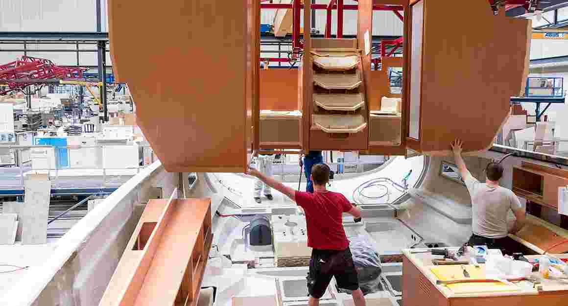 Assembling a yacht in the shipyard of BAVARIA YACHTS